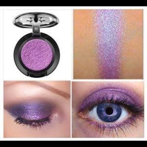 NYX Prismatic Eyeshadow Single in Volatile